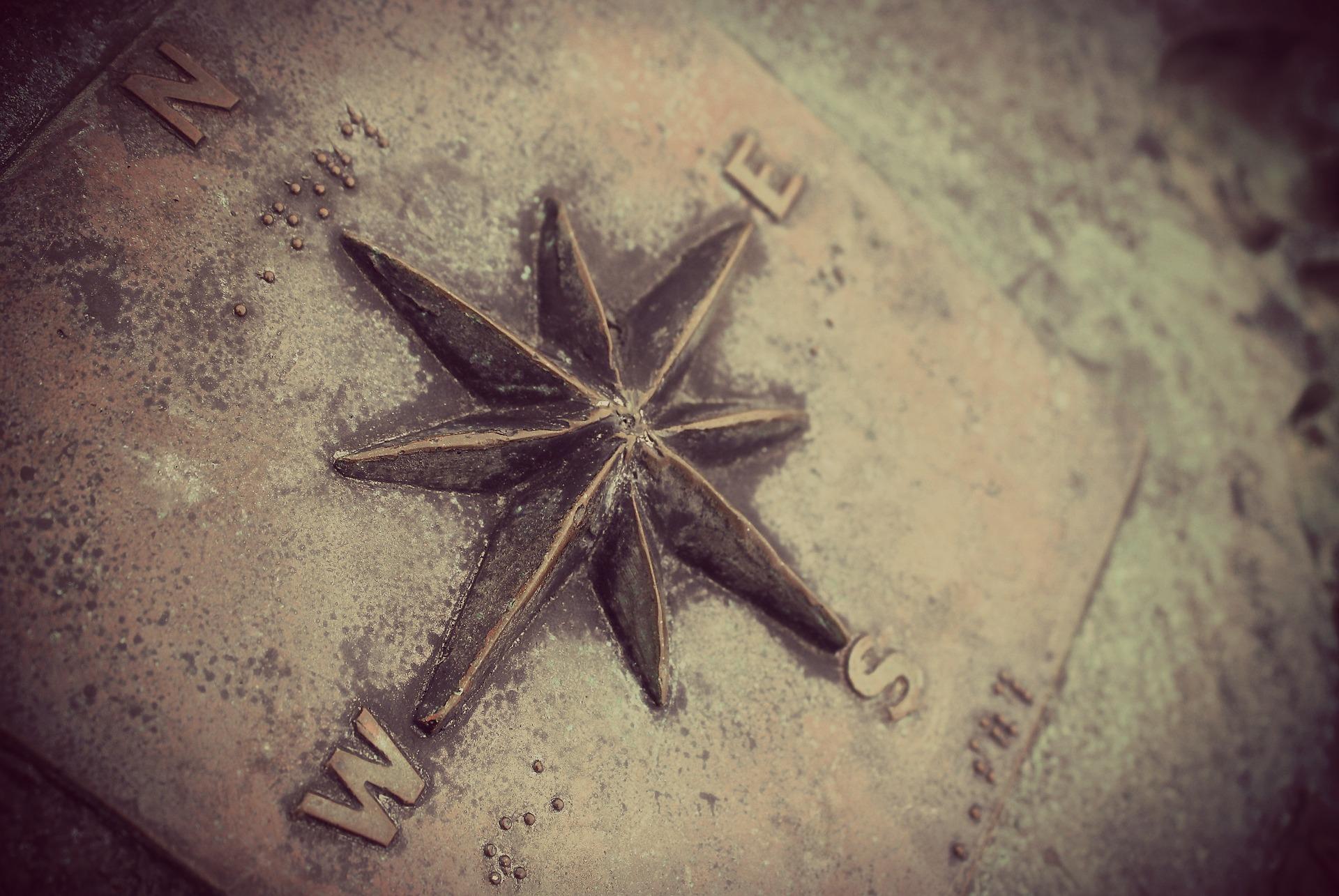 find vej forside compass-1424709_1920
